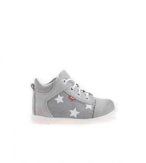 Buty w sportowym stylu z delikatnymi gwiazdkami
