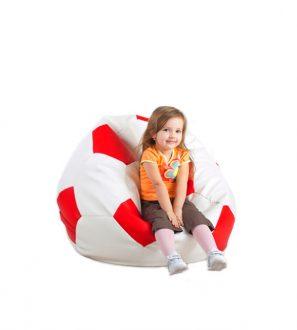 Mała czerwona i biała pufa w kształcie piłki Footballowej