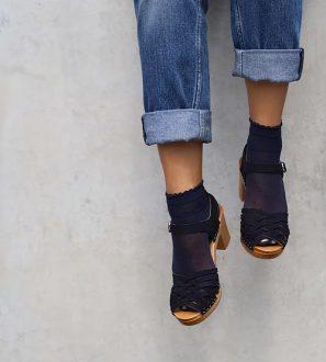 plecione czarne skórzane sandałki na słupku